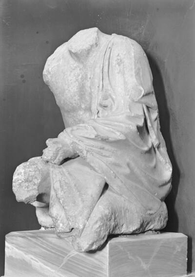 Sitzender Hermes?