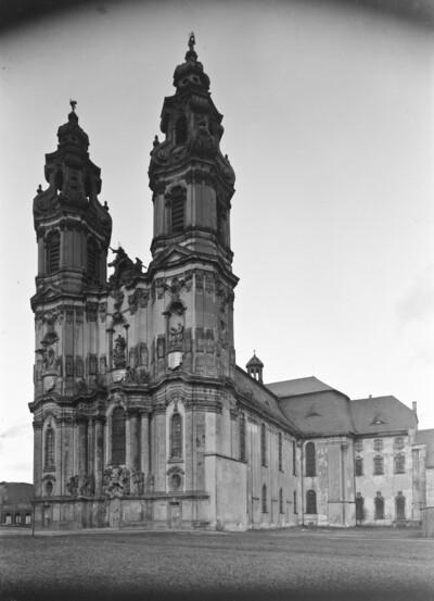 Katholische Pfarrkirche Sankt Maria Himmelfahrt & ehemalige Stiftskirche, Krzeszów (Kamienna Góra)