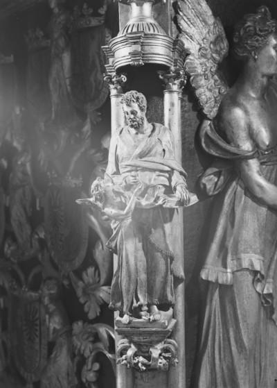Grabmal Karls des Kühnen von Burgund (+ 1477) — Obere Stirnseite — Evangelist Matthäus