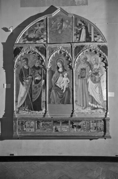 Altaraufsatz: Madonna zwischen Heiligen