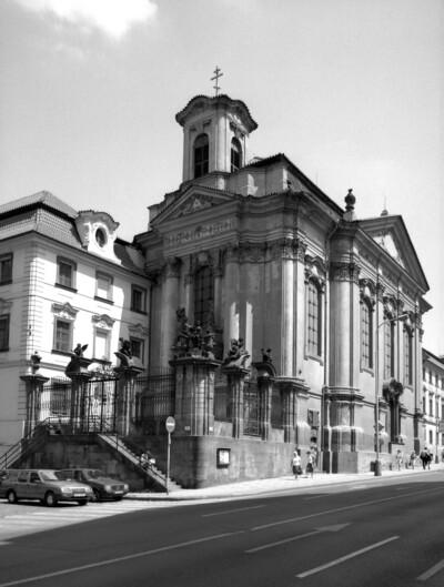 Carl Borromäus-Kirche & Sankt Cyrillus und Methodius, Prag - Neustadt (Prag), Resslovastraße