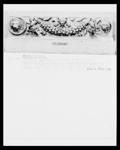 Fragment des Grabmals für Papst Paul I.