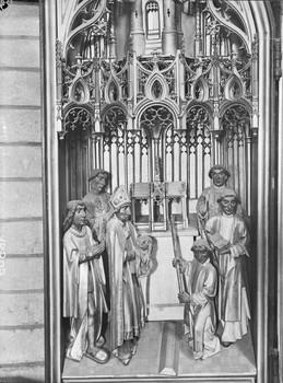 Die Reliquie der heiligen Dimpna (Dymphna) wird im Schrein verwahrt (oberer linker Flügel)