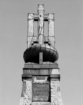 Denkmal für die Dreikaiserschlacht bei Austerlitz — Aufsatz (Äußeres - von Nordwesten); Kruzifixus