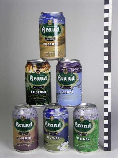 Image from object titled Serie van 6 drinkbussen voor bier van Brand, Wijlre in Limburg, ontwerp Rob Scholte