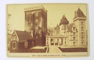 Tour et entrée au château de Pau (titre inscrit)