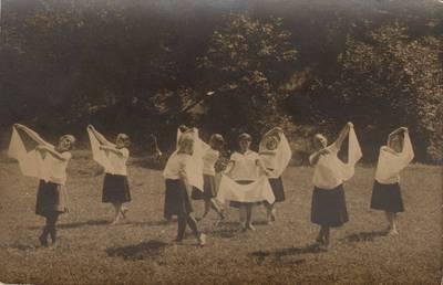 Image from object titled Nežinomas fotografas. Š. M. K. K. kursai pradžios mokyklų mokytojams, I laida. 1927-07-17