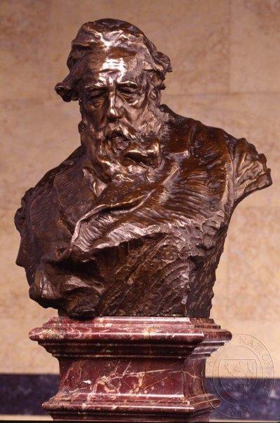 Svatopluk Čech - busta v Pantheonu