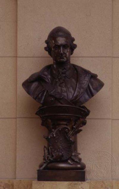 Josef Maria hrabě Kolowrat Krakowský - busta nad hlavním schodištěm