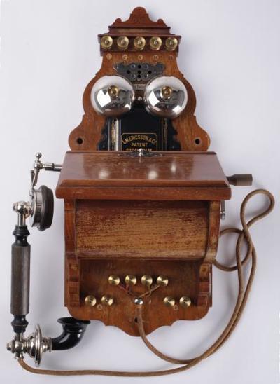 Image from object titled Puhelin; Ericsson-seinäpuhelin, lankapuhelin