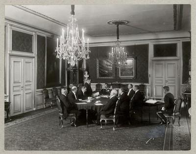 Grundloven underskrives 1915