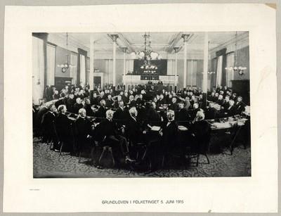 Grundloven i Folketinget 5. Juni 1915