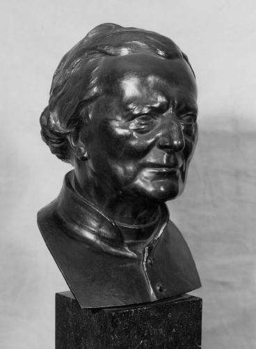 Borstbeeld van Hugo Verriest