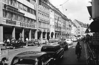 Image from object titled Freiburg i. Br.: Kaiser-Joseph-Straße zum Schlussverkauf