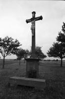 Image from object titled Weisweil: Kreuz am Gedenkstein für den Wort Willingen bei Weisweil