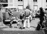 Image from object titled Freiburg: Familienbild am Münsterplatz