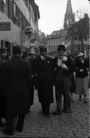 Image from object titled Freiburg: Faschingstype auf der Straße