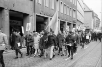 Image from object titled Freiburg: Ostermarsch der Atomgegner durch Freiburg