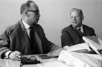 Image from object titled Hottingen: Landespressekonferenz im Hotzenwald; Wirtschaftsminister Dr. Leuze, Regierungspräsident Anton Dichtel und Direktor Rall (Zell-Schönau)