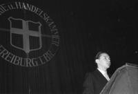 Image from object titled Freiburg: Kurbeltheater; Freisprechungsfeier 1954; Dankesworte: Werner Eisele