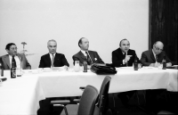 Image from object titled Freiburg: Hotel Stadt Freiburg; Pressekonferenz mit, von links nach rechts: Dr. Hans Evers, Ministerpräsident Filbinger, Landrat Schill, Löffler MdB; über Umlandreform Freiburg