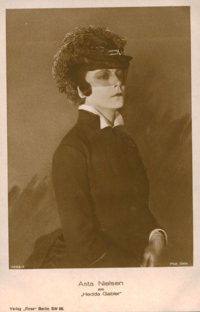 "Image from object titled Atvirukas. Asta Nielsen als ""Hedda Gabler"""
