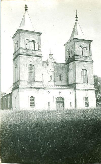 Image from object titled Bartninkų Šv. apaštalų Petro ir Povilo bažnyčia