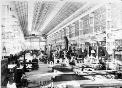 [Vista interior de la nave industrial]