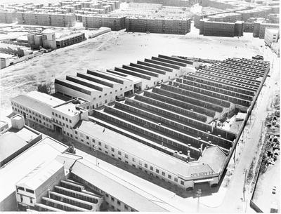 Image from object titled Vista aérea de la fábrica. Reproducción