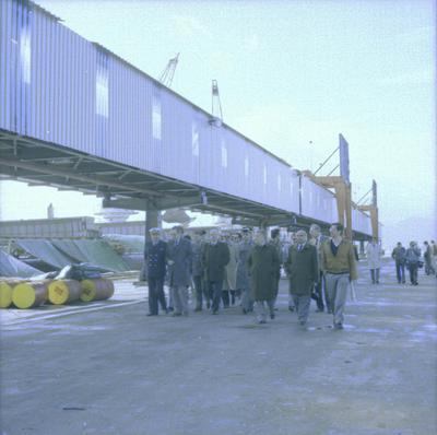 Visita de directivos de Sevillana al puerto