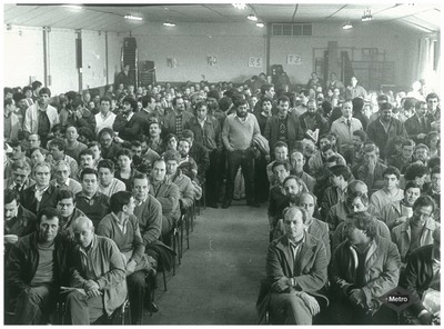 Image from object titled Asamblea de trabajadores: huelga de 1987