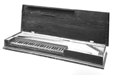 Image from object titled gebundenes Clavichord