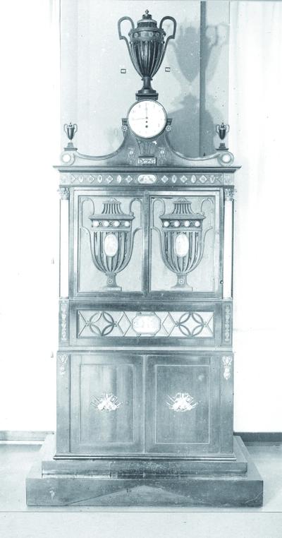 Image from object titled Flötenuhr; mechanische Orgel Flötenwerk mit Uhr