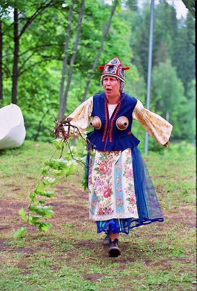 Foto. Etendus KALEVIPOEG (Linda). Neeruti, 2003.