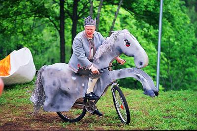 Foto. Etendus KALEVIPOEG (Kalevipoeg hobusega). Neeruti, 2003.