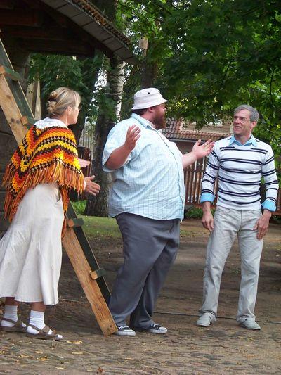 Foto. Võru linnateatri etendus KAPSAPEA. Võru, 10.08.2011.