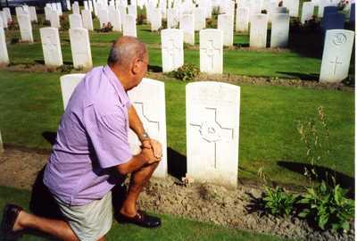 Photos of Uncle Edwards grave (2)