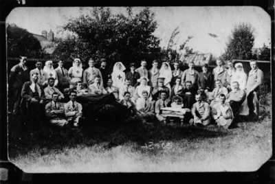 Photograph of Corporal John Henry Kelty with patients and nurses (3)