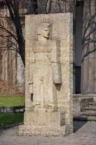 Wrocław - rzeźby przed Pawilonem Czterech Kopuł