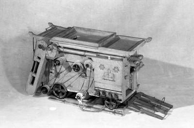 Threshing machine; Model