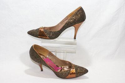 Ladies pumps by designer Elsa Schiaparelli.