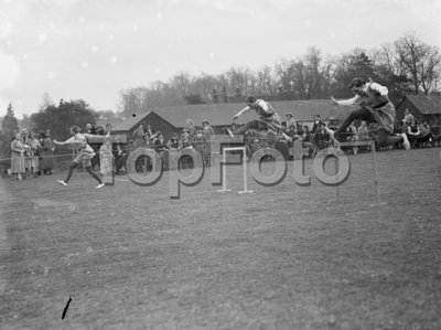 Swanley college sports  . The hurdles race . 1936