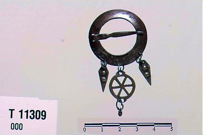 Image from object titled ringsølje