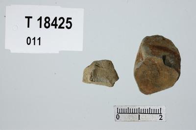 Image from object titled Stykker av bergart