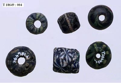Image from object titled mosaikkperler