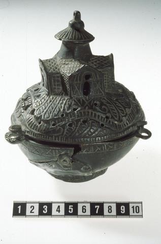 Image from object titled Røkelseskar