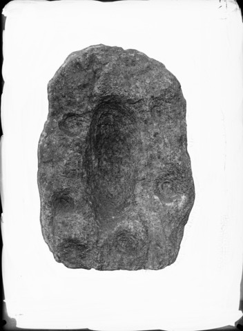 Image from object titled Skålgropstein