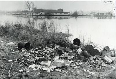 Image from object titled Vervuiling van de Vecht bij Keverdijk en Fort 'Uitermeer'