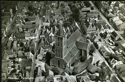 Image from object titled gezicht op de Grote Kerk en de Marktstraat vanuit de lucht