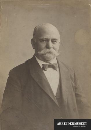 Portræt af P. Knudsen omkring år 1900
